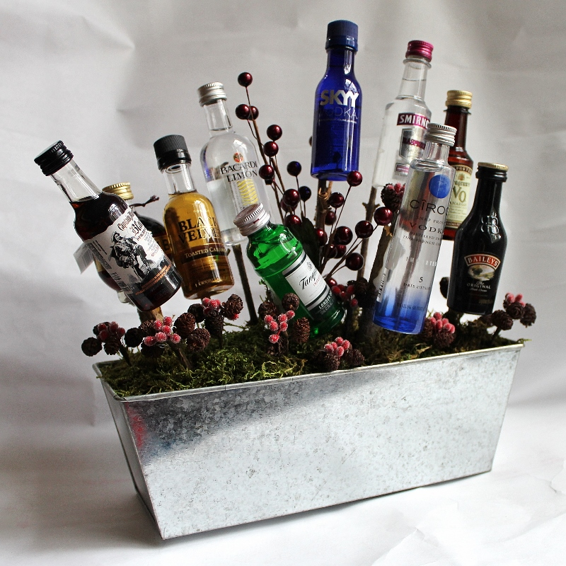 Christmas alcoholic gift basket ideas