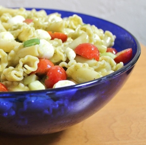 caprese pasta salad with basil vinaigrette (800x798)