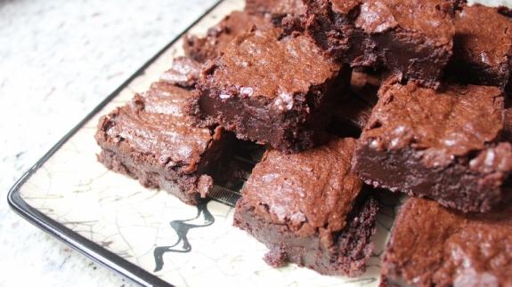 gluten free brownies 2 (800x450)