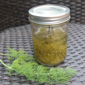 herb infused vinegar (800x800)